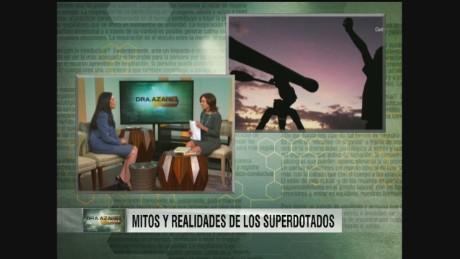 DRA. AZARET Y LOS NIÑOS SUPERDOTADOS_00024507