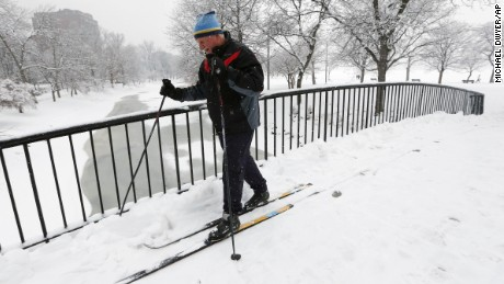 Winter storm hits Northeast