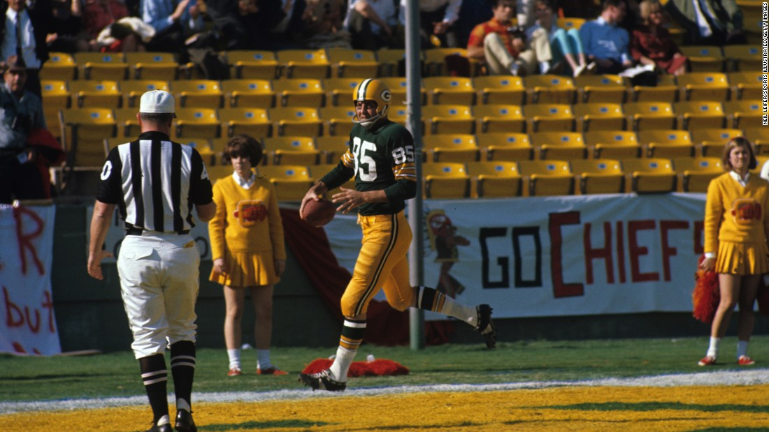 In the first quarter of what we know now as Super Bowl I, Green Bay Packers wide receiver Max McGee scored a touchdown on a 37-yard pass from Bart Starr.