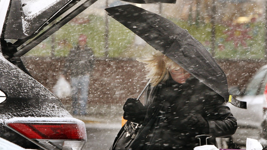 As the snow moves in, residents pick up some last-minute items at King's Highway Stop & Shop in New Bedford, Massachusetts, on January 26.