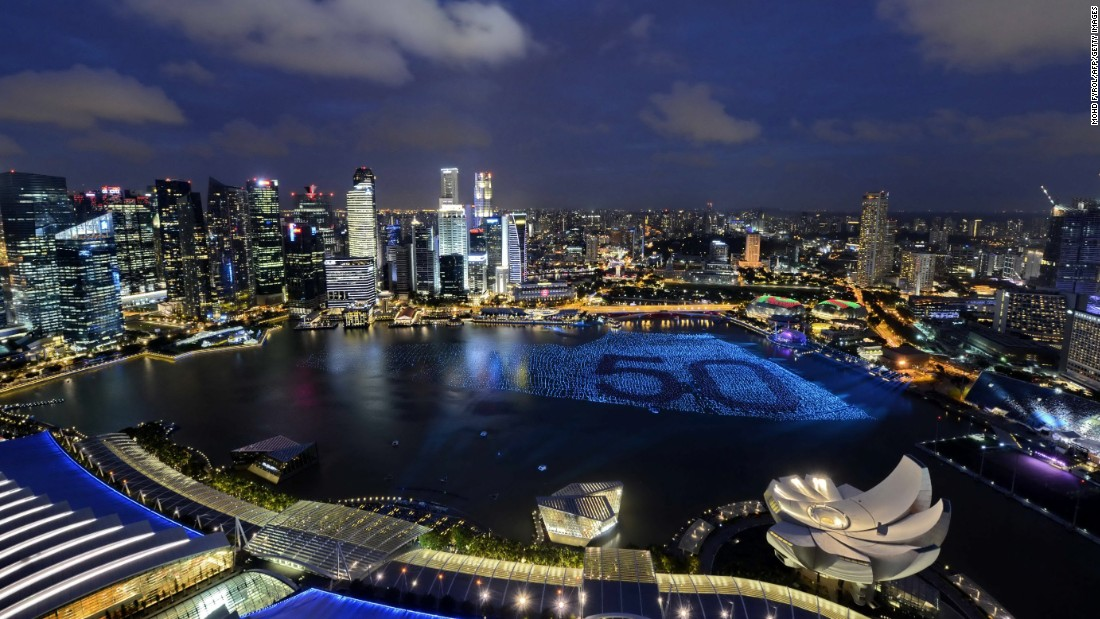 <strong>4. Singapore: </strong>Singapore welcomed 16.87 million international visitors in 2015, keeping its numbers steady year-on-year.