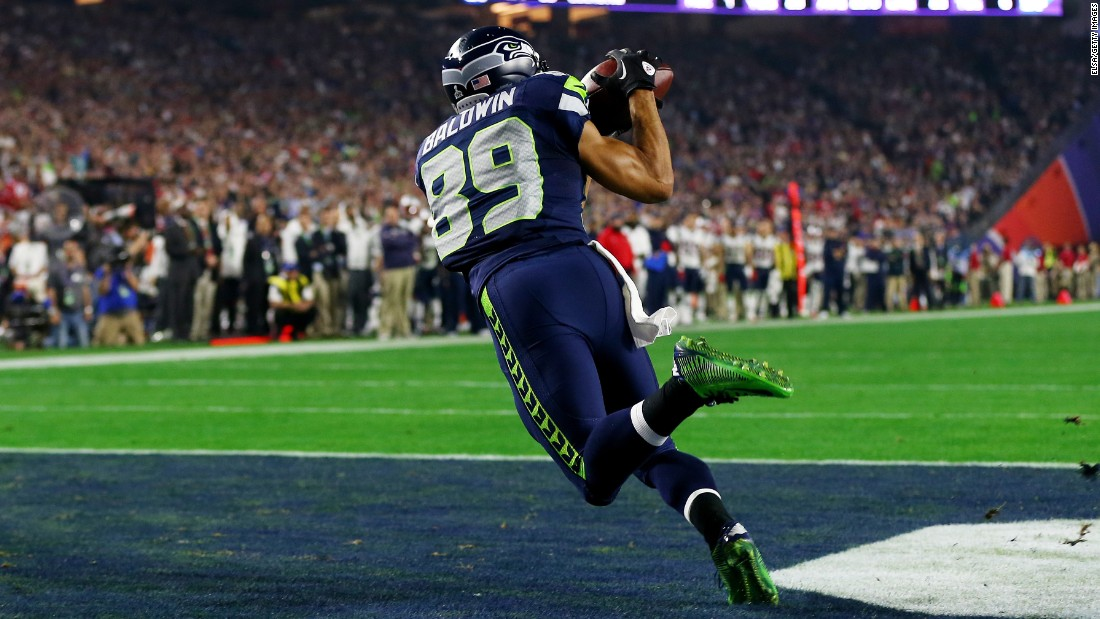 Seahawks wide receiver Doug Baldwin catches a touchdown in the third quarter. After the catch, the Seahawks took a 24-14 lead.