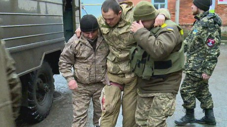 Ukrainians blame politicians as fighting intensifies