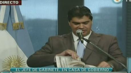 cnnee act sarmenti argentina coqui ripping paper_00003403