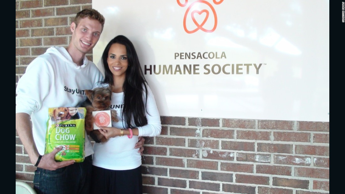 In Florida, the Svenssons made a donation to the Pensacola Humane Society and also spent time at an animal hospital.