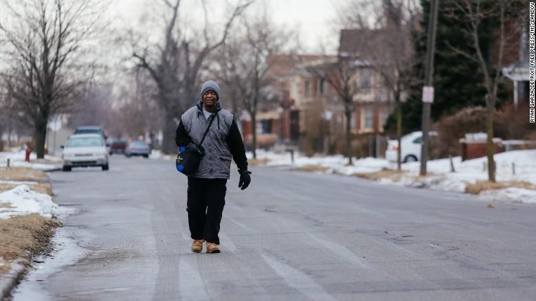 Detroit man walks 21 miles for commute