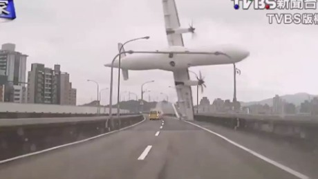 vo taiwan transasia crash dash cam video_00000612