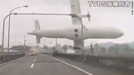 lead dnt johns plane crash taiwan_00001007