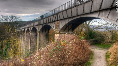 Wales' 18-kilometer-long Pontcycylite Aqueduct is an engineering marvel.