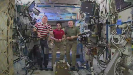 cnnee opp sot iss mission control greeting_00000921