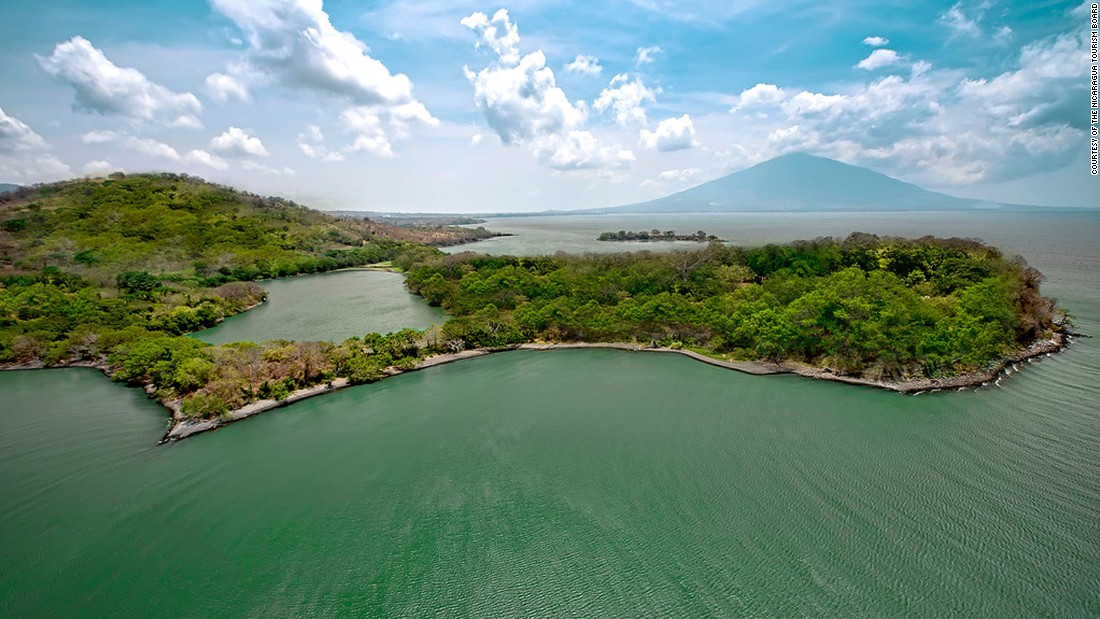 A group of 365 islets close to the city of Granada called Las Islets is home to a community of 1,200 people. Lake Nicaragua's freshwater is home to species such as bull sharks and largetooth sawfish.