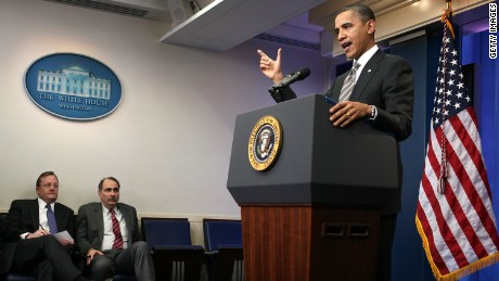 WASHINGTON, DC - DECEMBER 07: U.S. President Barack Obama (R) speaks as White House Press Secretary Robert Gibbs (L) and senior adviser David Axelrod (2nd L) look on during a news conference at the White House briefing room December 7, 2010 in Washington, DC. Obama held a news conference after he had announced a deal with Republicans to temporarily extend Bush-era tax cuts to all tax brackets. (Photo by Alex Wong/Getty Images)