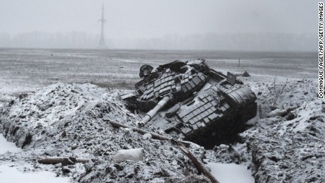 A destroyed Ukrainian Army tank sits on February 9, 2015 outside Uglegorsk, 6 kms southwest of Debaltseve.