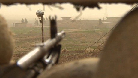 Kurdish fighters hold ground against daily ISIS attacks