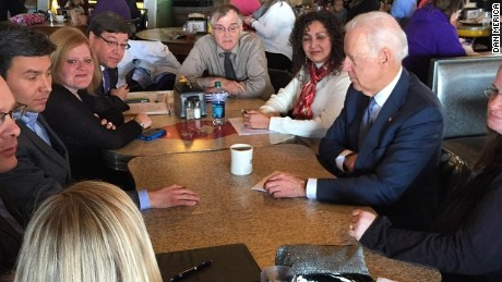 Vice President Biden chats with Iowans at a local Des Moines coffee shop.