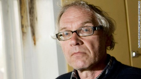 Lars Vilk describes cafe attack
