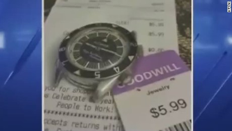 pkg man buys valuable antique watch at thrift store_00004107