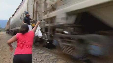 cnnee alis mexico las patronas 20yr humanitarian labor_00002016