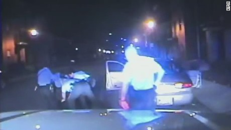 pkg officer turns off dashcam during arrest_00003702