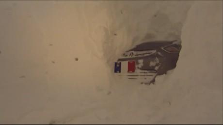 cnnee canada snow tunnel_00005319