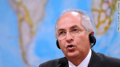 Caracas Mayor Antonio Ledezma speaks during a session of the Brazilian Senate's Foreign Affairs commission on October 27, 2009 in Brasilia. The Senate discusses Venezuela's admittance in the MERCOSUR. AFP PHOTO/Evaristo SA (Photo credit should read EVARISTO SA/AFP/Getty Images)