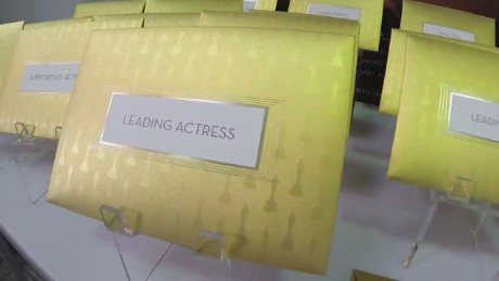 Oscars envelope production orig_00015401