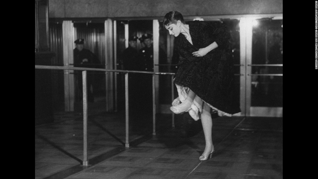 Actress Audrey Hepburn enters the theater for the Academy Award ceremony in Los Angeles in March 1954.