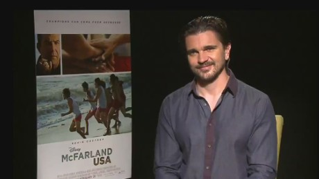 cnnee showbiz encarnacion intv juanes disney movie soundtrack_00043828