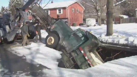 dnt nj sinkhole swallows snow plow truck_00000730.jpg