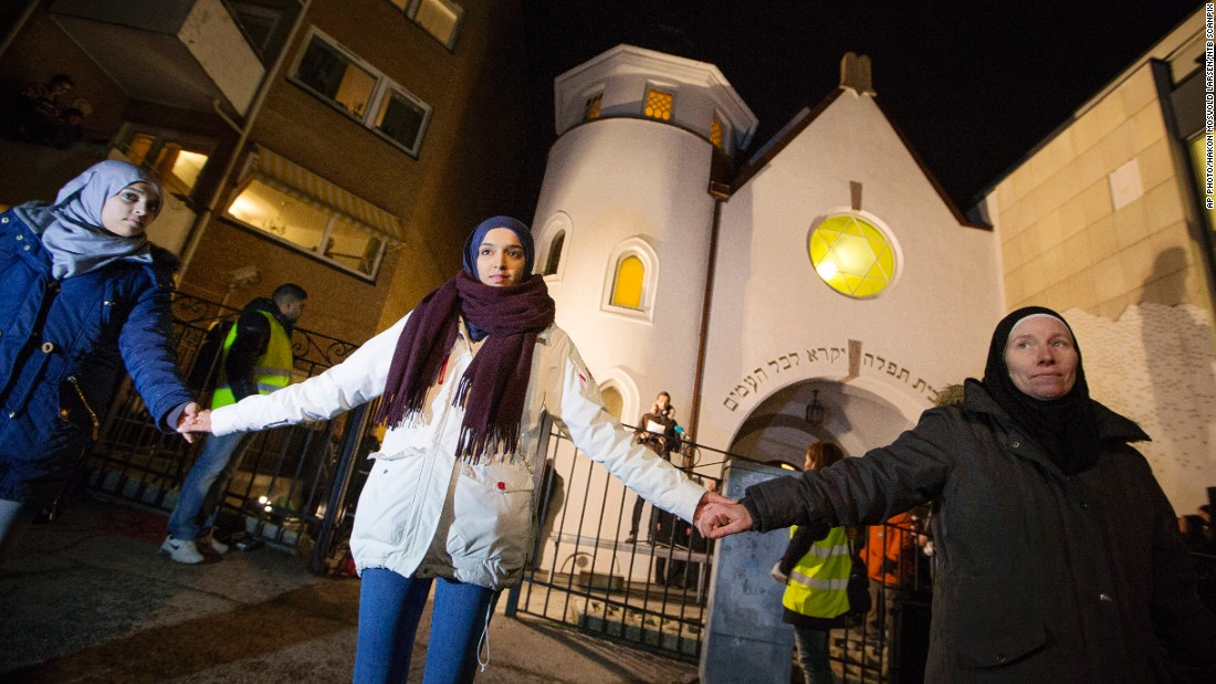 "More than 1,000 people formed a ""ring of peace"" around the Norwegian capital's synagogue on February 21, 2015. Young Muslims took the initiative after a series of attacks against Jews in Europe."