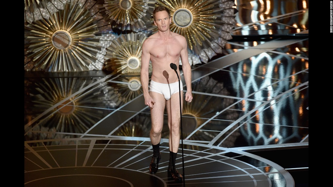 "Harris returns to the stage in his underwear, referencing a scene from ""Birdman."""
