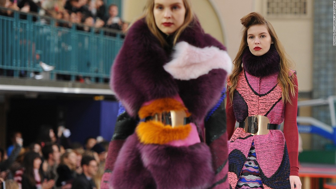 As always, Roksanda featured stunning color combinations. The opulent combinations of textures, however, stole the show.