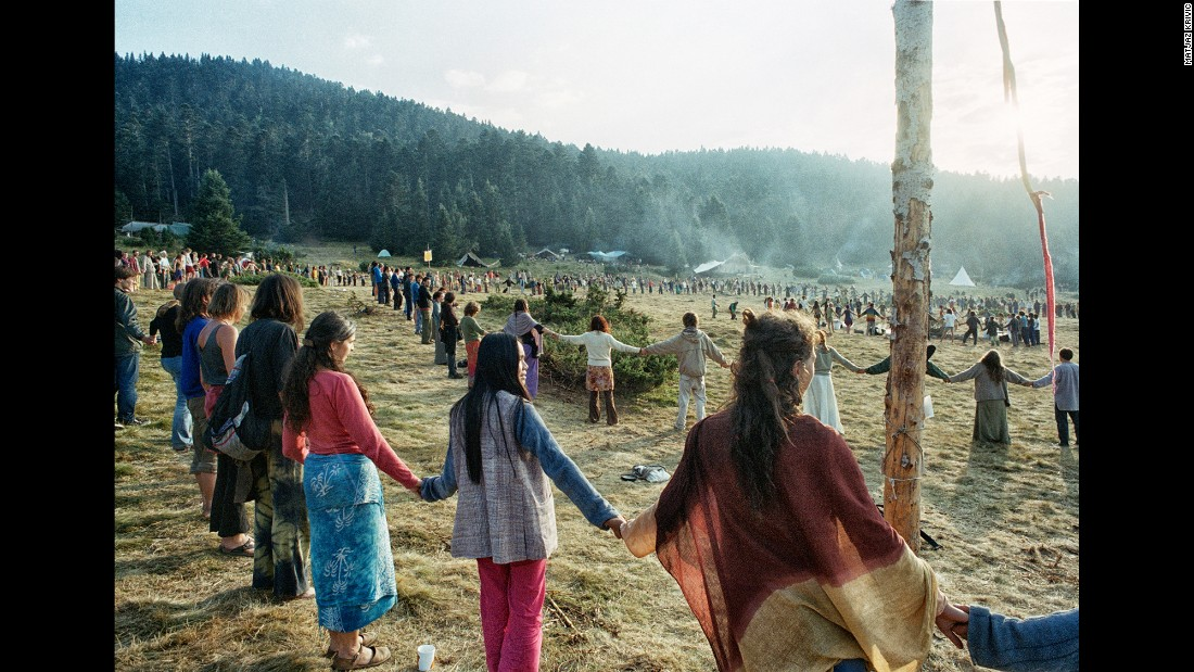 "According to Krivic, when a horn blows three times through the valley people start assembling into a giant food circle. Before the meal begins they hold hands, sing a rainbow tune and chant ""ohm."""