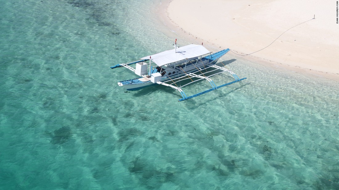 Island-hopping by banka is easy and cheap.