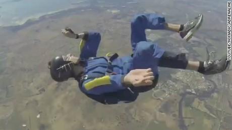 newday skydiver midair seizure_00000627.jpg