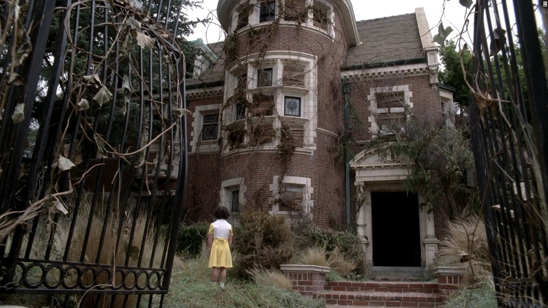 "The pilot episode of this FX series <a href=""http://hookedonhouses.net/2011/10/31/the-real-american-horror-story-house-in-l-a/"" target=""_blank"">was shot on location in a former convent</a> in the Country Club Park section of Los Angeles. The rest of the series was filmed on sets that were an exact replica of the house."