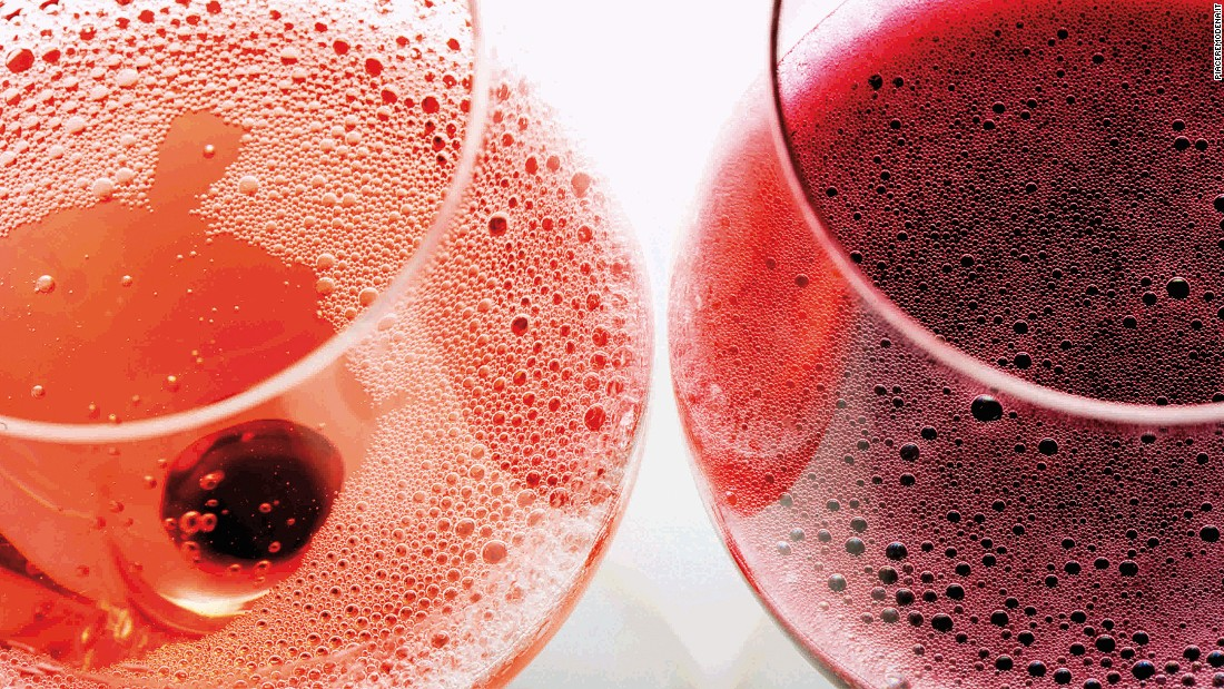 This sparkling red wine is made of freshly pressed grape juice. Either a brilliant ruby or rose color, it can be dry or semi-dry.