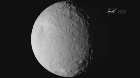 pkg mann dawn on dwarf planet_00012322