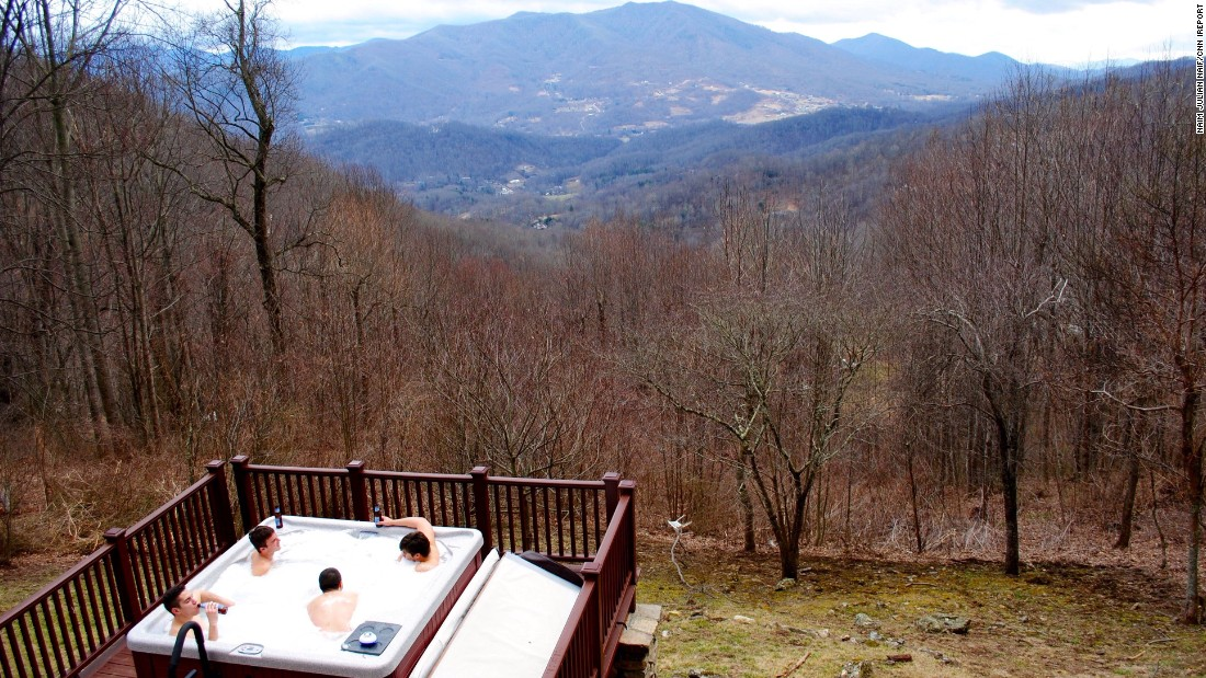 "A hot tub, great weather and a beautiful mountain view: Welcome to <a href=""http://ireport.cnn.com/docs/DOC-1223615"">spring </a>in Waynesville, North Carolina, on March 4."