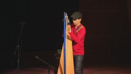 cnnee pkg vega colombia harpist carnegie hall_00011310