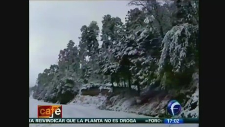 cnnee cafe oraa snow in mexico_00000726