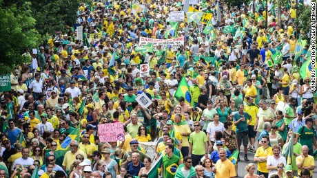 Brazilian FM under fire as economy continues to weaken