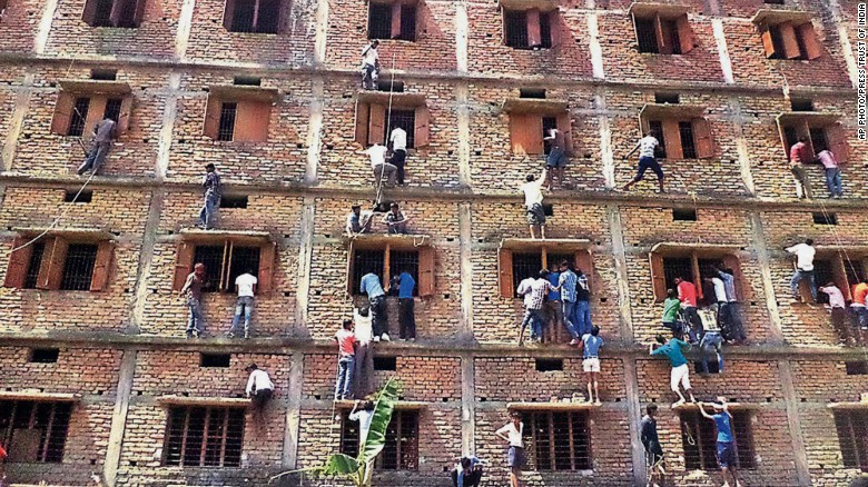 Indian parents scale new heights to help kids cheat