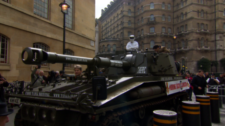 in lkl tomkins top gear clarkson tank petition_00005323