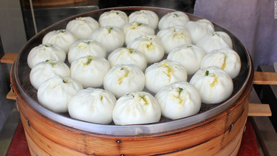 Known as man tou, these soft and puffy buns can have a variety of fillings. Traditional options include minced pork, chopped vegetables and red bean paste.