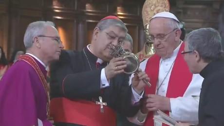 lok nadeau pope naples_00010014