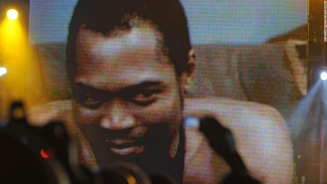 "Afrobeat star Fela Kuti (seen here being honored at the first MTV Music Awards for Africa, 2008) and his band Afrika '70 release ""Zombie,"" a scathing attack on the Nigerian military -- the firebrand musician is a constant critic of the government. The authorities eventually retaliate, sending hundreds of troops to lay siege to Kuti's commune. His mother is thrown out of a window during the attack and subsequently dies, whilst the property is set on fire, destroying all of Kuti's instruments and master tapes."