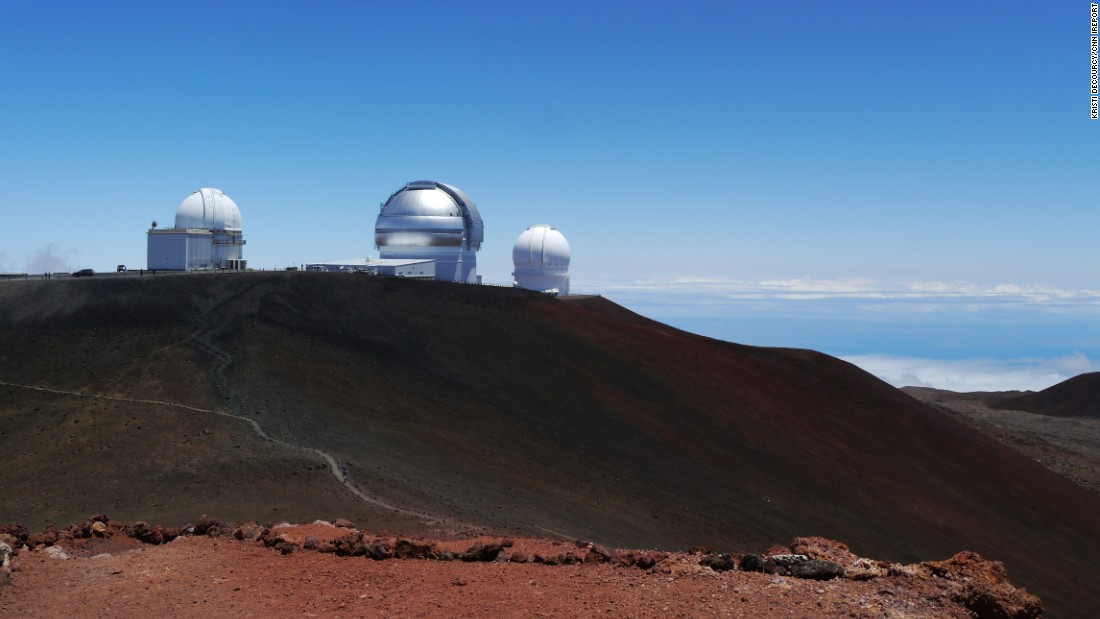 "Hawaii, also known as the Big Island, is the youngest and largest island in the Hawaiian chain.<a href=""http://ireport.cnn.com/docs/DOC-1219898""> iReporter Kristi DeCourcy</a> took this photo from the summit of Mauna Kea at 13,796 feet, looking down on the <a href=""https://www.ifa.hawaii.edu/mko/"" target=""_blank"">Mauna Kea observatories</a>.<br />"