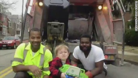 tds little boy quincy kroner meets garbage men heroes_00001106.jpg