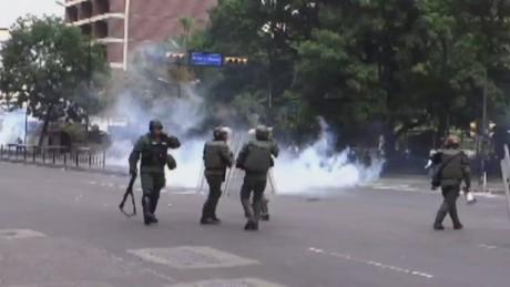 cnnee enc pkg osmary hernandez venezuela abuses_00001502